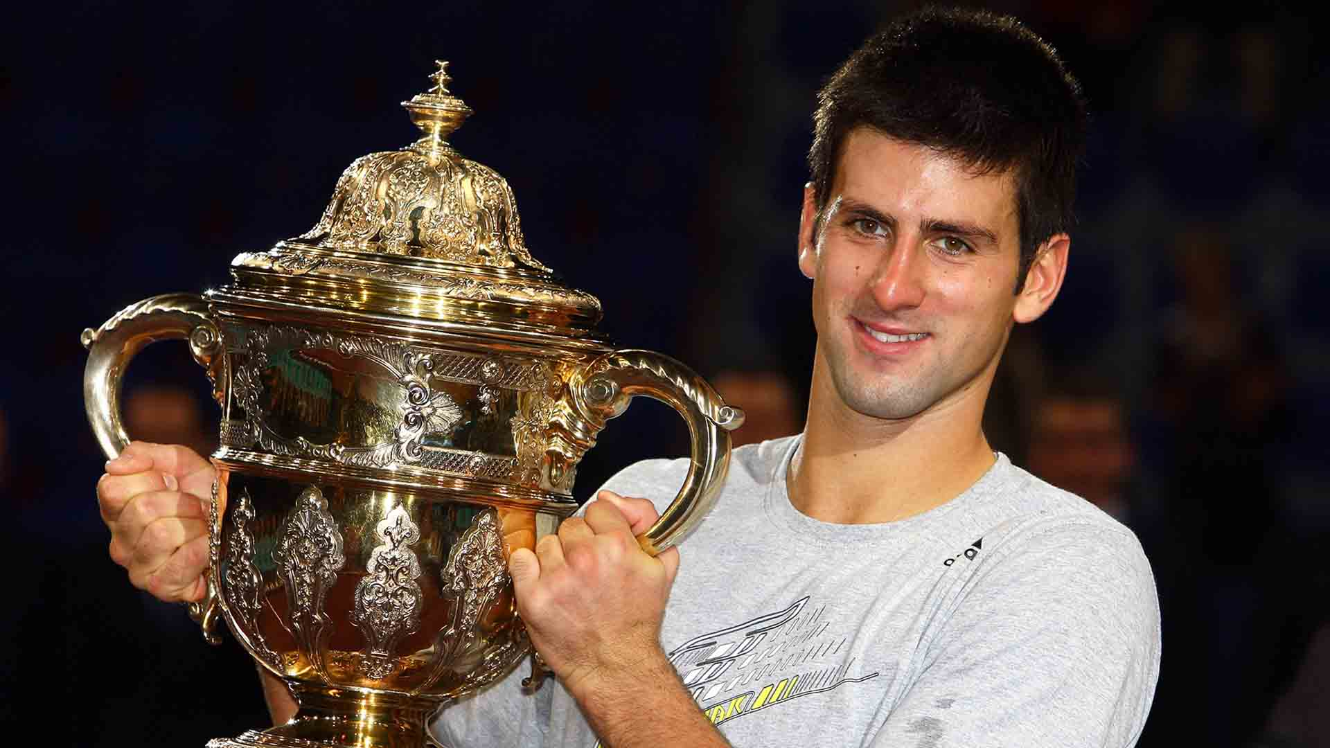 Novak Djokovic defeated three-time defending champion Roger Federer in three sets in the 2009 Swiss Indoors Basel final.