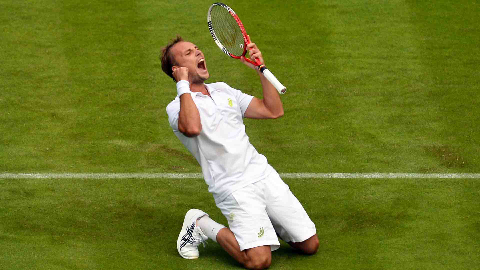 Steve Darcis defeated Rafael Nadal in straight sets in the first round at Wimbledon in 2013.