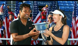 us-open-2015-paes-mixed-trophy