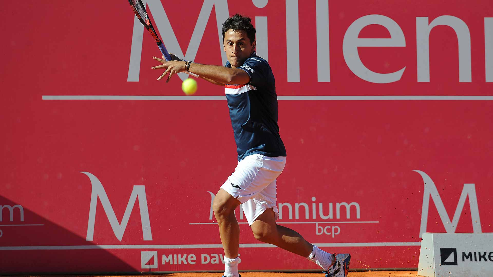 Nicolas Almagro downs Nick Kyrgios to reach the Estoril final.