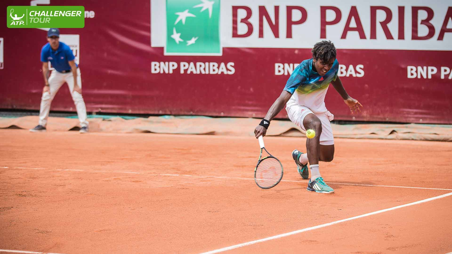 #NextGen Star Elias Ymer survived a nasty fall and tricky opponent to advance on Wednesday at the ATP Challenger Tour event in Bordeaux.
