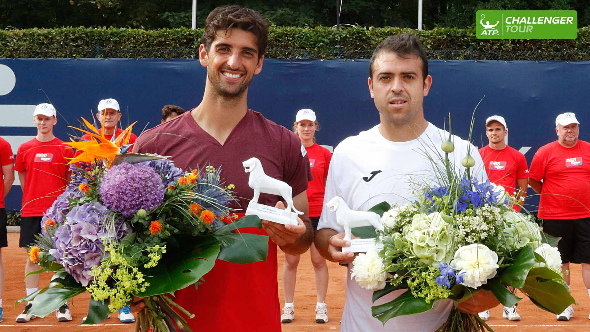 Thomaz Bellucci (L) and Inigo Cervantes put on an entertaining final in Braunschweig.