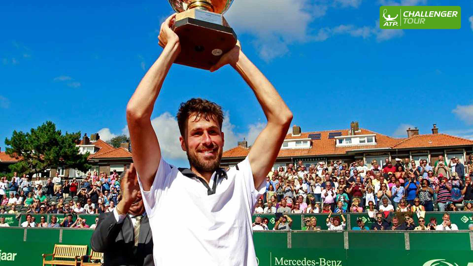 Dutchman Robin Haase prevails on home soil at the ATP Challenger Tour event in Scheveningen.