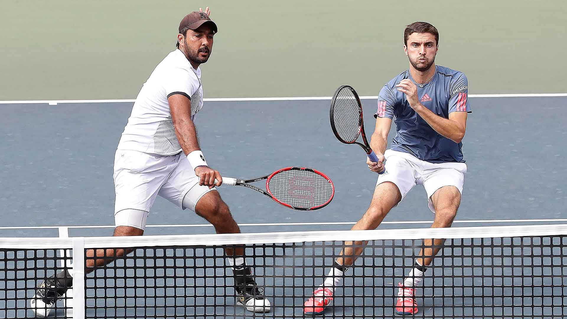Aisam-Ul-Haq Qureshi and Gilles Simon move into the semi-finals.