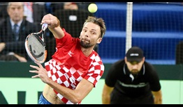 Ivo Karlovic recovers from a 4/6 deficit in the second set tie-break by winning four straight points against Argentina's Juan Martin del Potro on Friday.