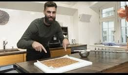 Benoit-Paire-Basel-2017-cooking