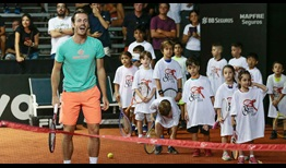 Wesley Koolhof participates in Kids' Day at the Brasil Open on Sunday, which hosted an event-record 250 kids.