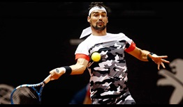 Fabio Fognini advances to the quarter-finals of the Brasil Open on Wednesday.
