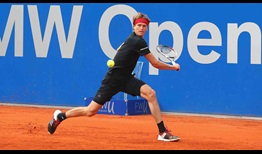 Defending champion Alexander Zverev battles past countryman Yannick Hanfmann to book his spot in the BMW Open by FWU quarter-finals.