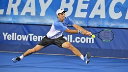 McDonald strikes backhand vs. Del Potro in Delray Beach quarter-final