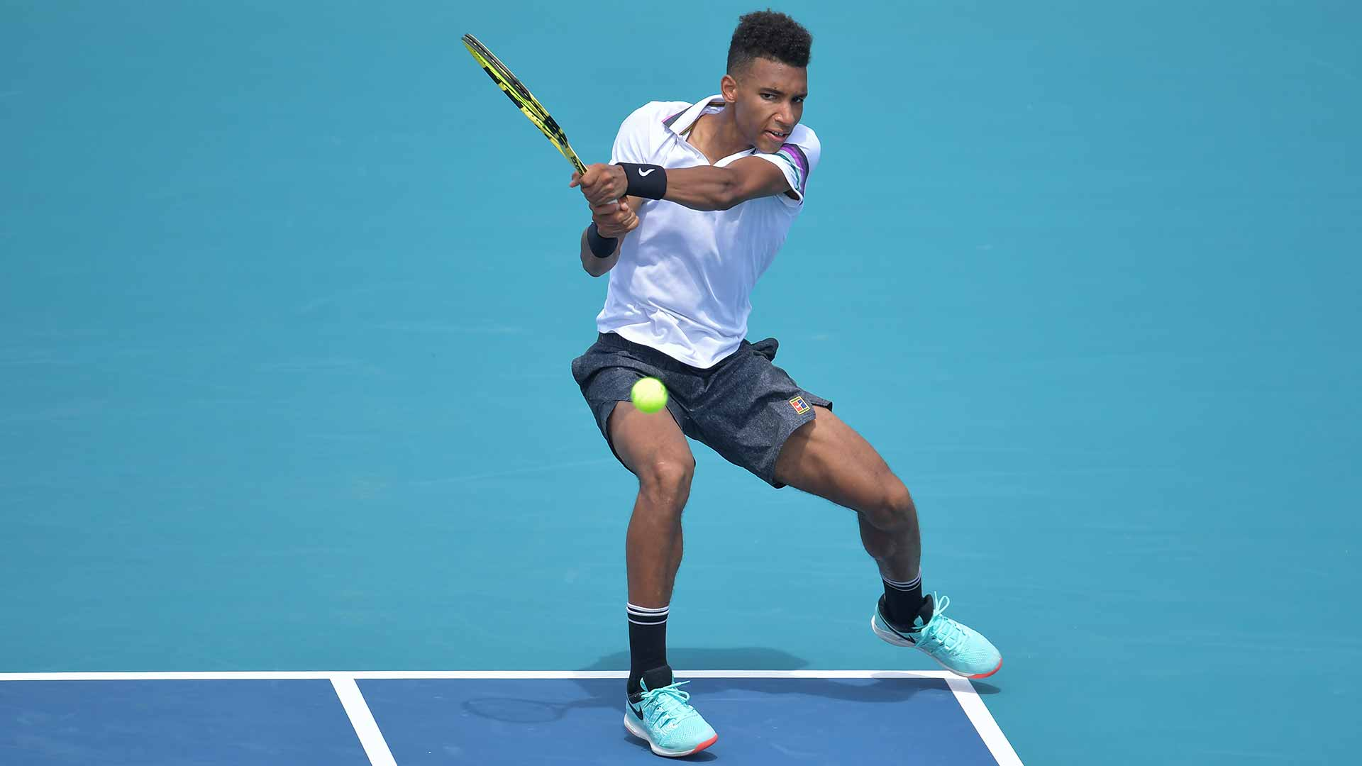 Felix Auger-Aliassime wins his first round of Miami Open qualifying