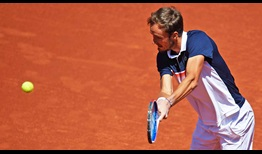 Daniil Medvedev defeats Kei Nishikori to reach his first clay-court final on the ATP Tour.