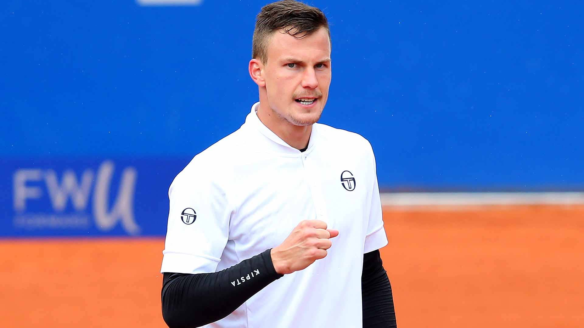 Marton Fucsovics advances on Monday in Munich