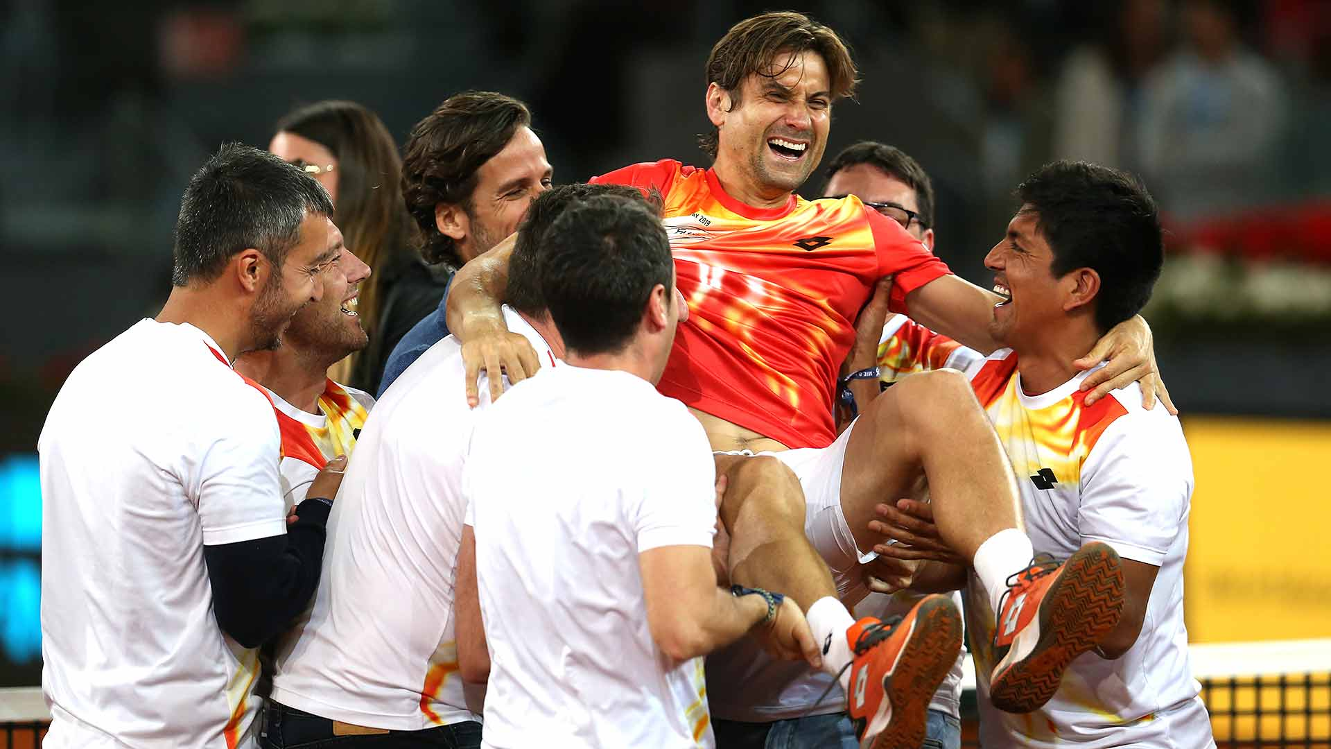 <a href='/en/players/david-ferrer/f401/overview'>David Ferrer</a> celebrates playing his final match at the <a href='/en/tournaments/madrid/1536/overview'>Mutua Madrid Open</a>