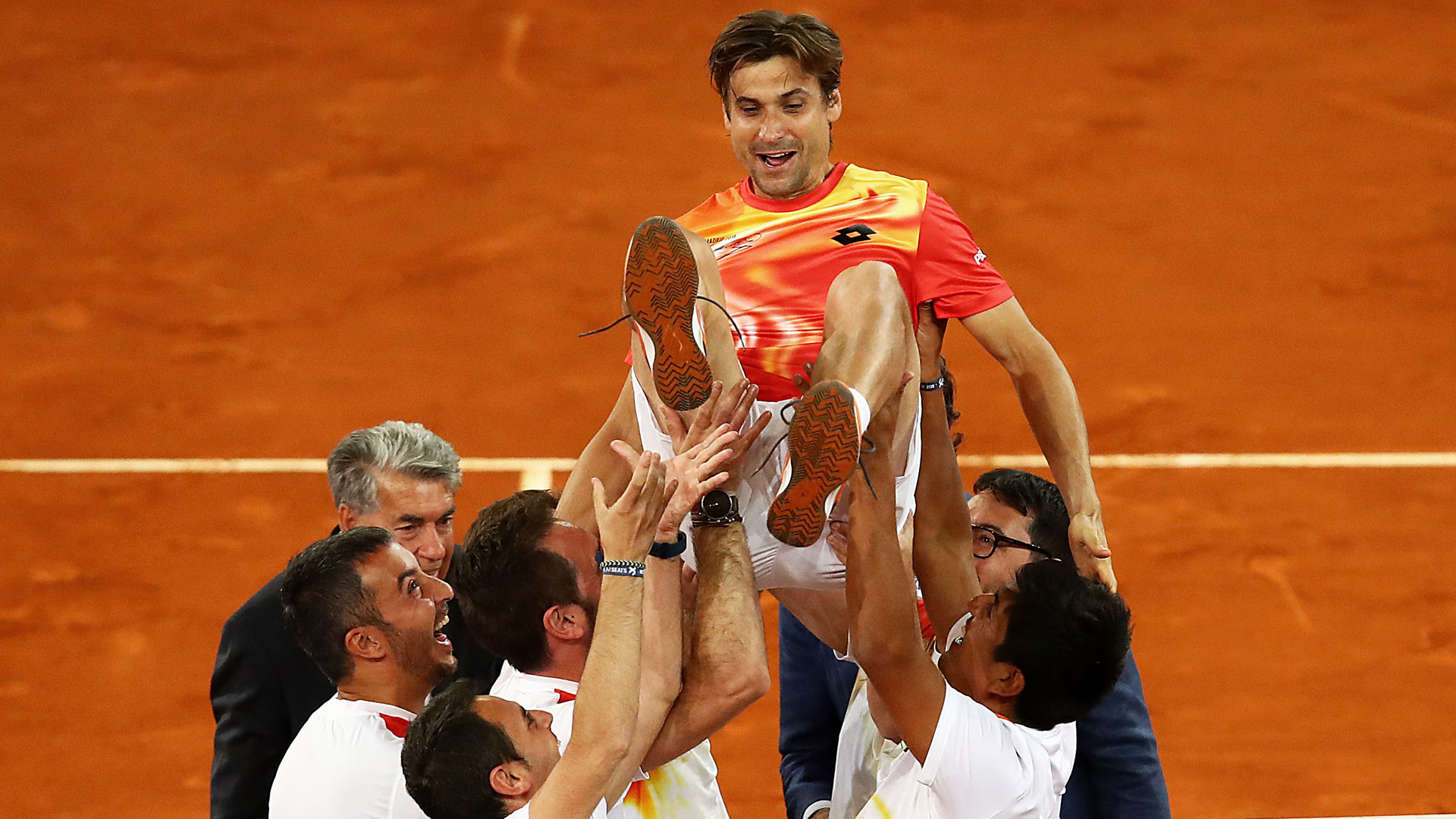 <a href='https://www.atptour.com/en/players/david-ferrer/f401/overview'>David Ferrer</a> reacts during his retirement ceremony in Madrid.