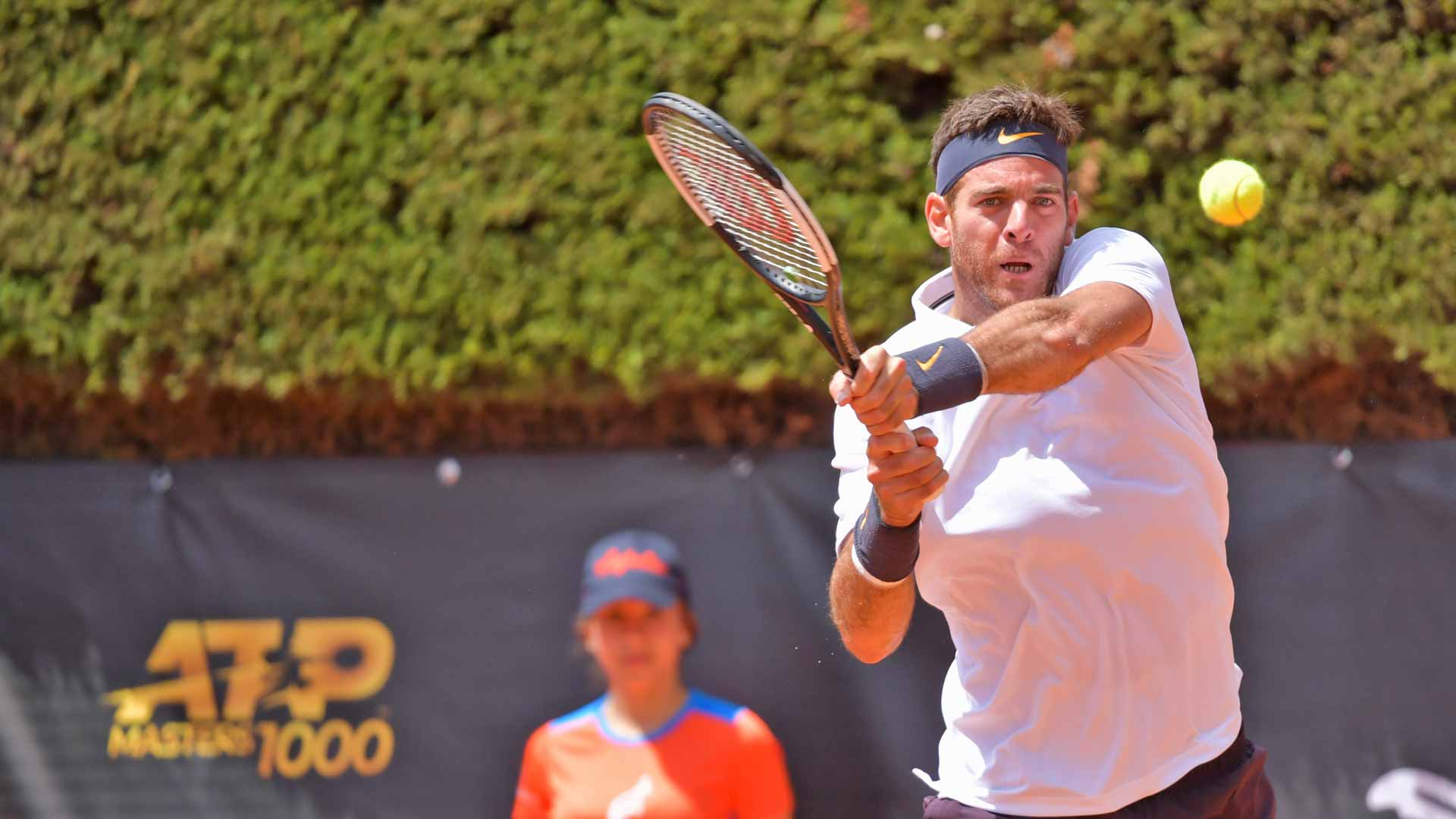 Del Potro hits a backhand in Rome