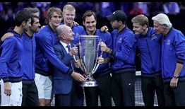 Team Europe poses with Rod Laver and the trophy following their win at the 2018 Laver Cup in Chicago.