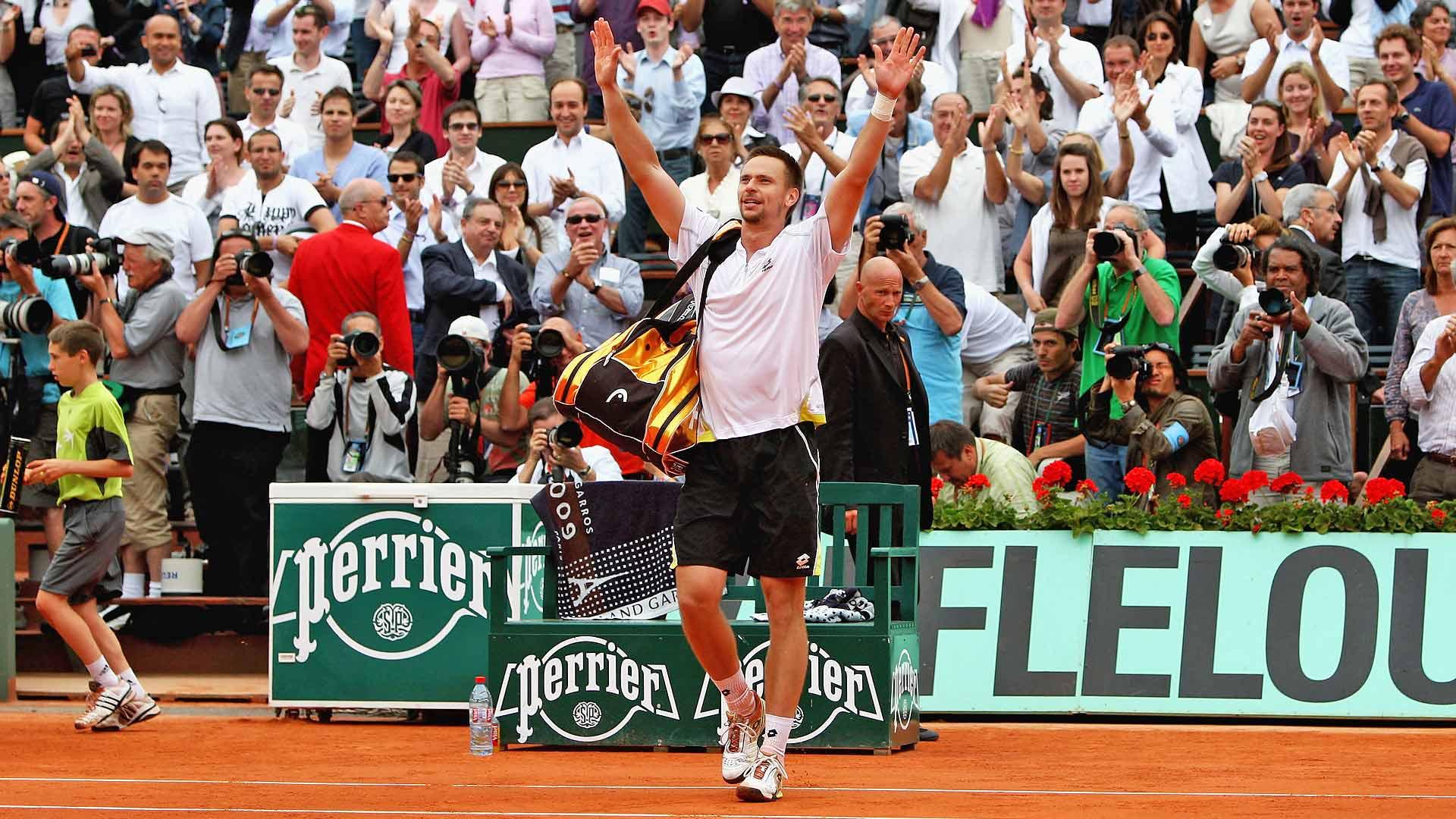 Robin Soderling celebrates his 2009 Roland Garros win against Rafael Nadal