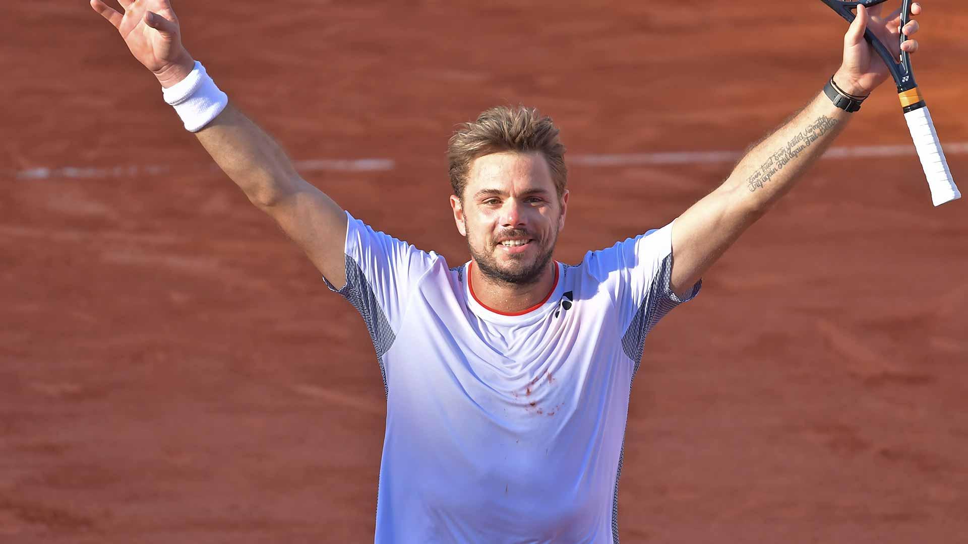 <a href='https://www.atptour.com/en/players/stan-wawrinka/w367/overview'>Stan Wawrinka</a> beats <a href='https://www.atptour.com/en/players/stefanos-tsitsipas/te51/overview'>Stefanos Tsitsipas</a>