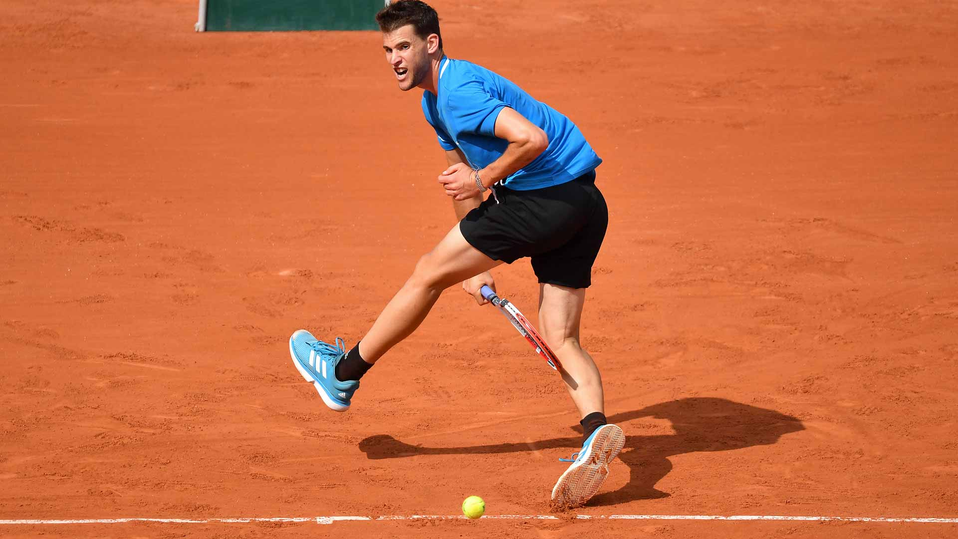 <a href='https://www.atptour.com/en/players/dominic-thiem/tb69/overview'>Dominic Thiem</a> hits a tweener during his fourth-round win at <a href='https://www.atptour.com/en/tournaments/roland-garros/520/overview'>Roland Garros</a>