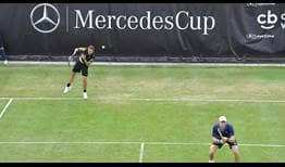 Bruno Soares and John Peers advance on Tuesday at the MercedesCup in Stuttgart.