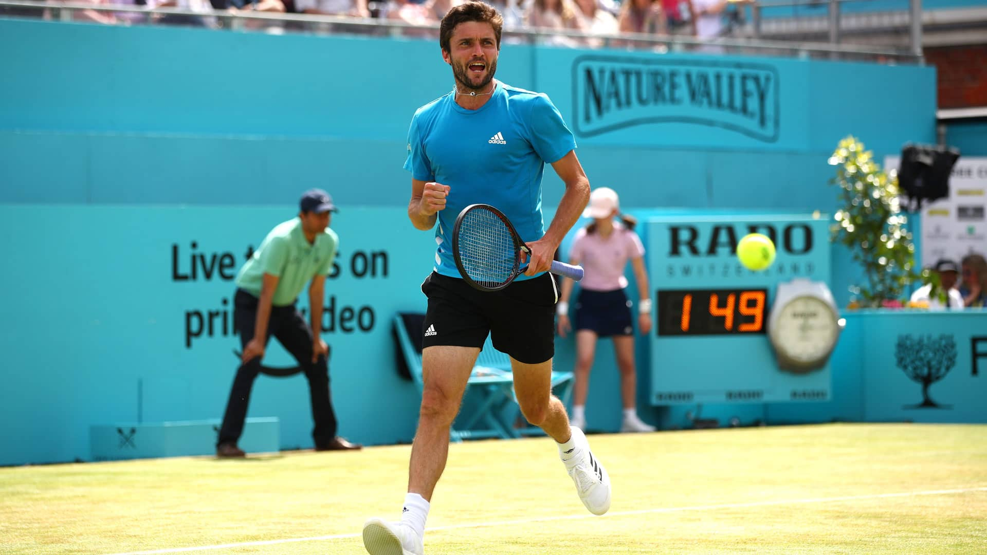 Gilles Simon reacts at Queen's Club 2019