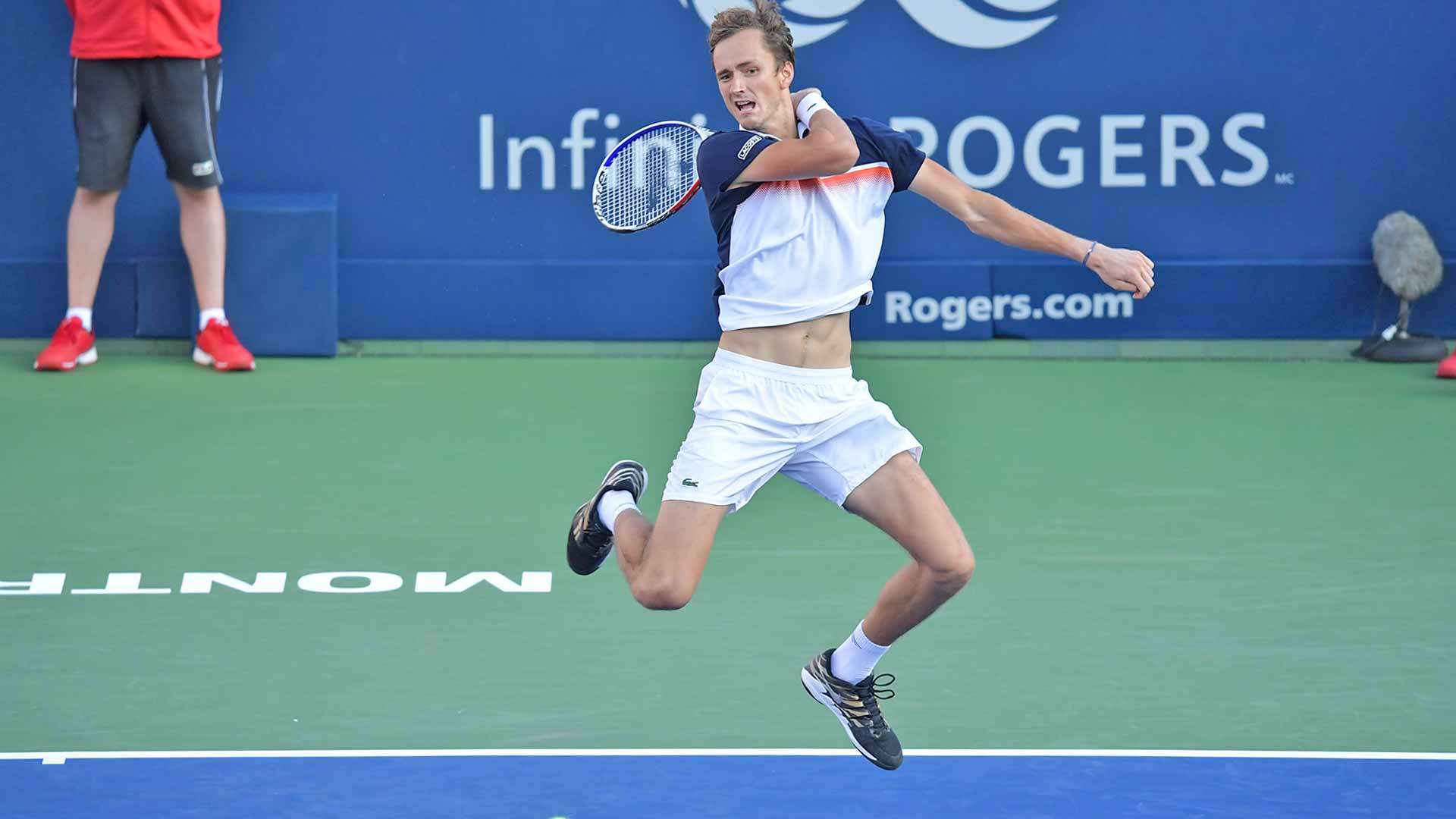 <a href='https://www.atptour.com/en/players/daniil-medvedev/mm58/overview'>Daniil Medvedev</a> faces <a href='https://www.atptour.com/en/players/karen-khachanov/ke29/overview'>Karen Khachanov</a> during the Coupe Rogers semi-finals on Saturday
