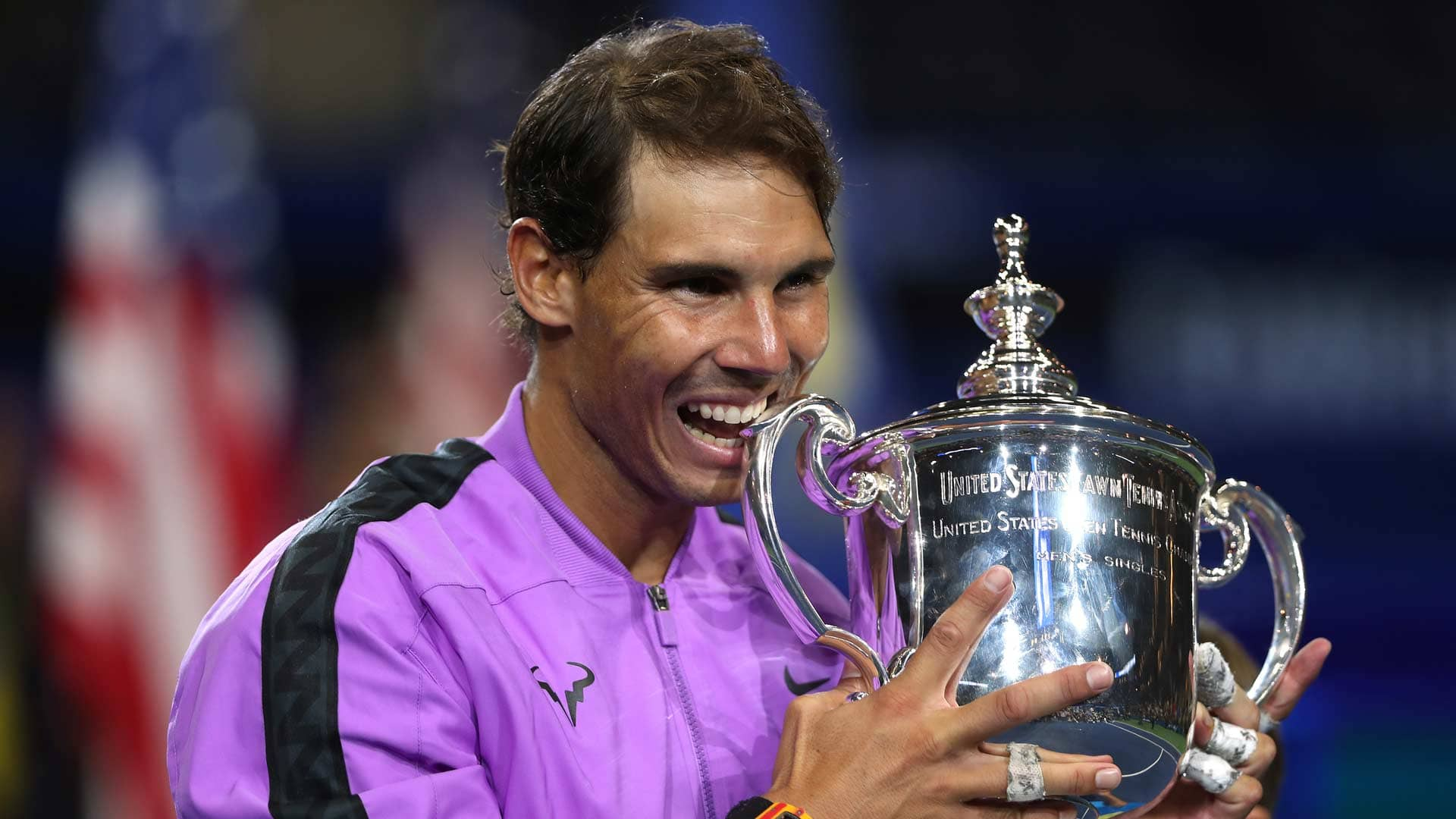 Nadal bites trophy 2019 US Open