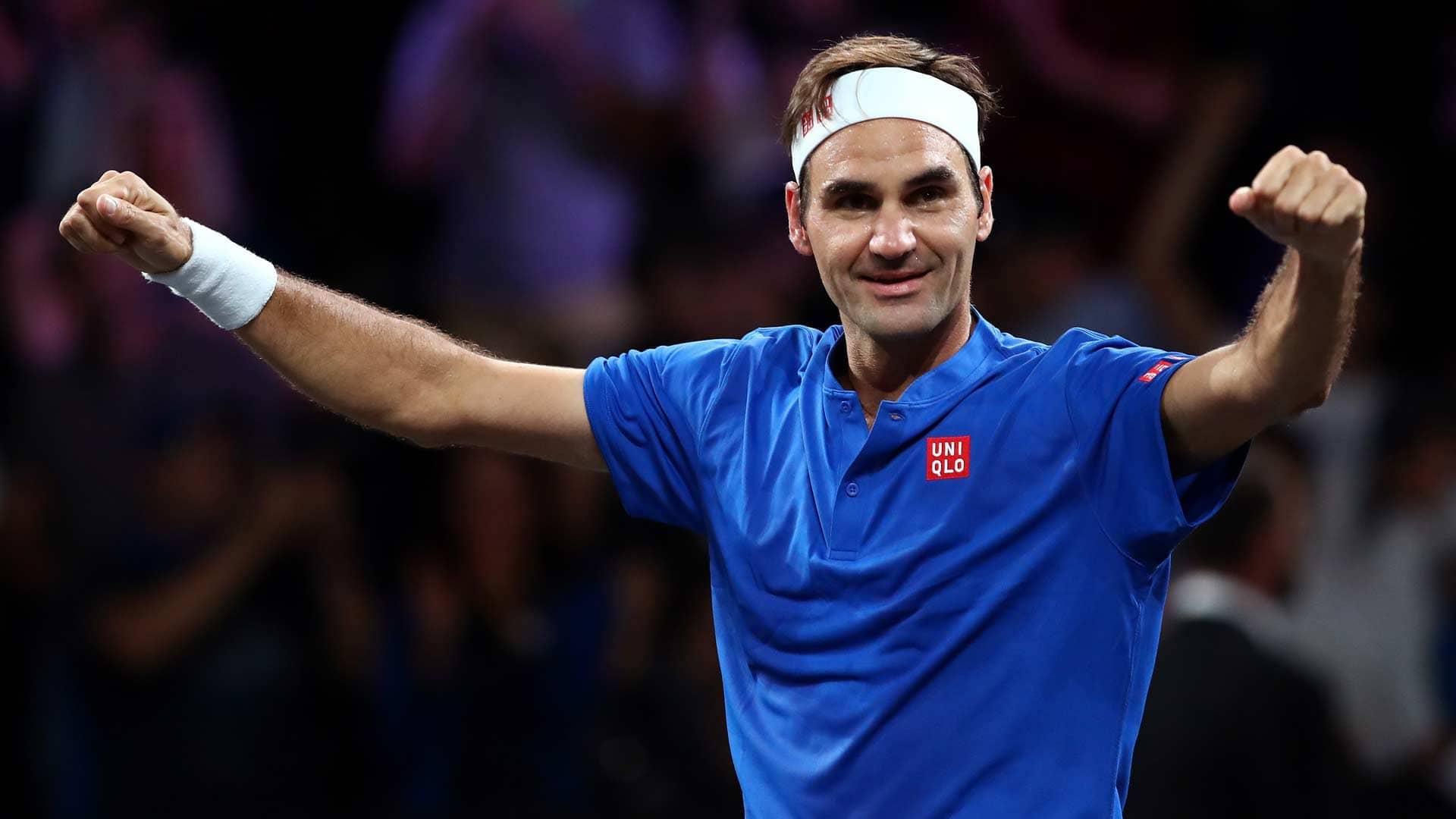 <a href='https://www.atptour.com/en/players/roger-federer/f324/overview'>Roger Federer</a> celebrates beating <a href='https://www.atptour.com/en/players/john-isner/i186/overview'>John Isner</a> at the <a href='https://www.atptour.com/en/tournaments/laver-cup/9210/overview'>Laver Cup</a>