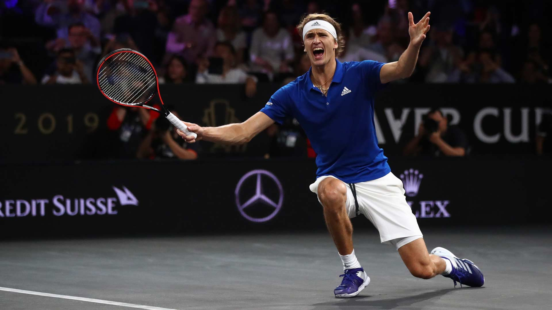 <a href='https://www.atptour.com/en/players/alexander-zverev/z355/overview'>Alexander Zverev</a> defeats <a href='https://www.atptour.com/en/players/milos-raonic/r975/overview'>Milos Raonic</a> to win the <a href='https://www.atptour.com/en/tournaments/laver-cup/9210/overview'>Laver Cup</a>