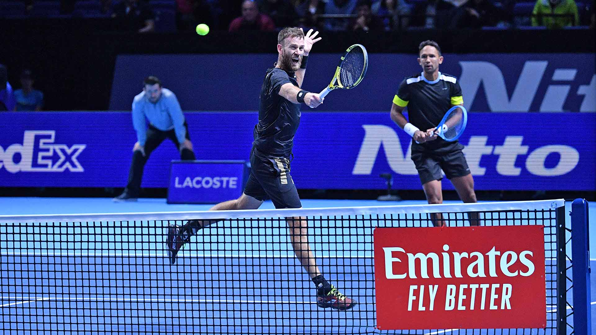 Michael Venus and Raven Klaasen improve to 2-0 in Group Jonas Bjorkman at the Nitto ATP Finals.