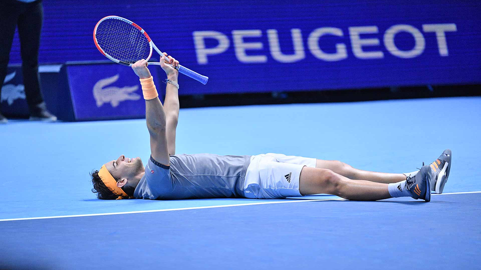 ATP Finals. Тим в трёх сетах одолел Джоковича и пробился в полуфинал