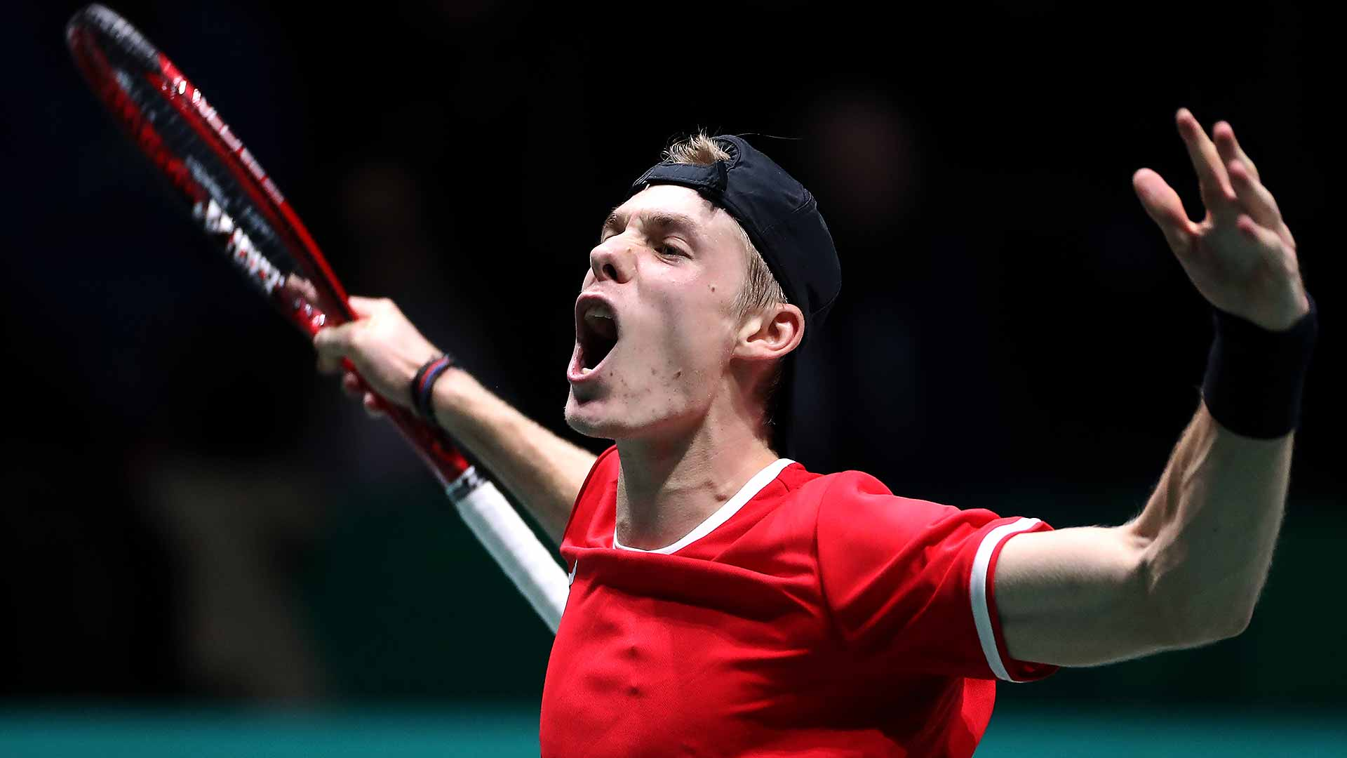 Denis Shapovalov improves to 2-0 against Matteo Berrettini in their FedEx ATP Head2Head series on Monday in Madrid.