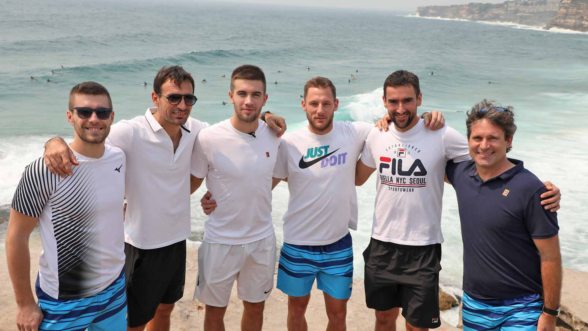 Team Croatia visits Tamarama Beach in Sydney ahead of the <a href='https://www.atptour.com/en/tournaments/atp-cup/8888/overview'>ATP Cup</a>.