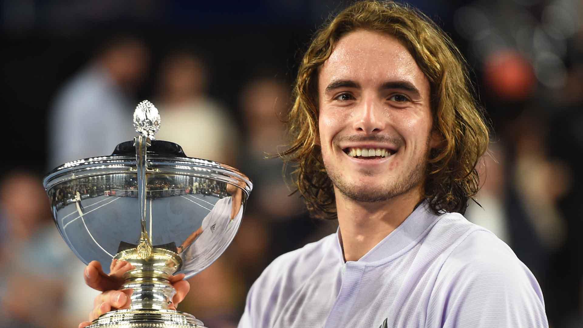 ATP MARSEILLE 2020 - Page 5 Tsitsipas-marseille-2020-final-trophy