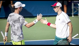 Michael Venus and John Peers beat Pierre-Hugues Herbert and Benoit Paire in straight sets at the Dubai Duty Free Tennis Championships on Monday.