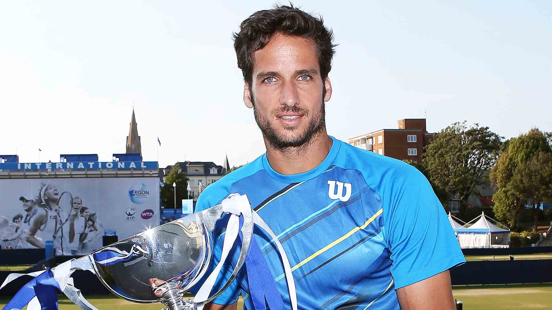 <a href='/en/players/feliciano-lopez/l397/overview'>Feliciano Lopez</a> beats <a href='/en/players/richard-gasquet/g628/overview'>Richard Gasquet</a> to win his second straight title in Eastbourne.