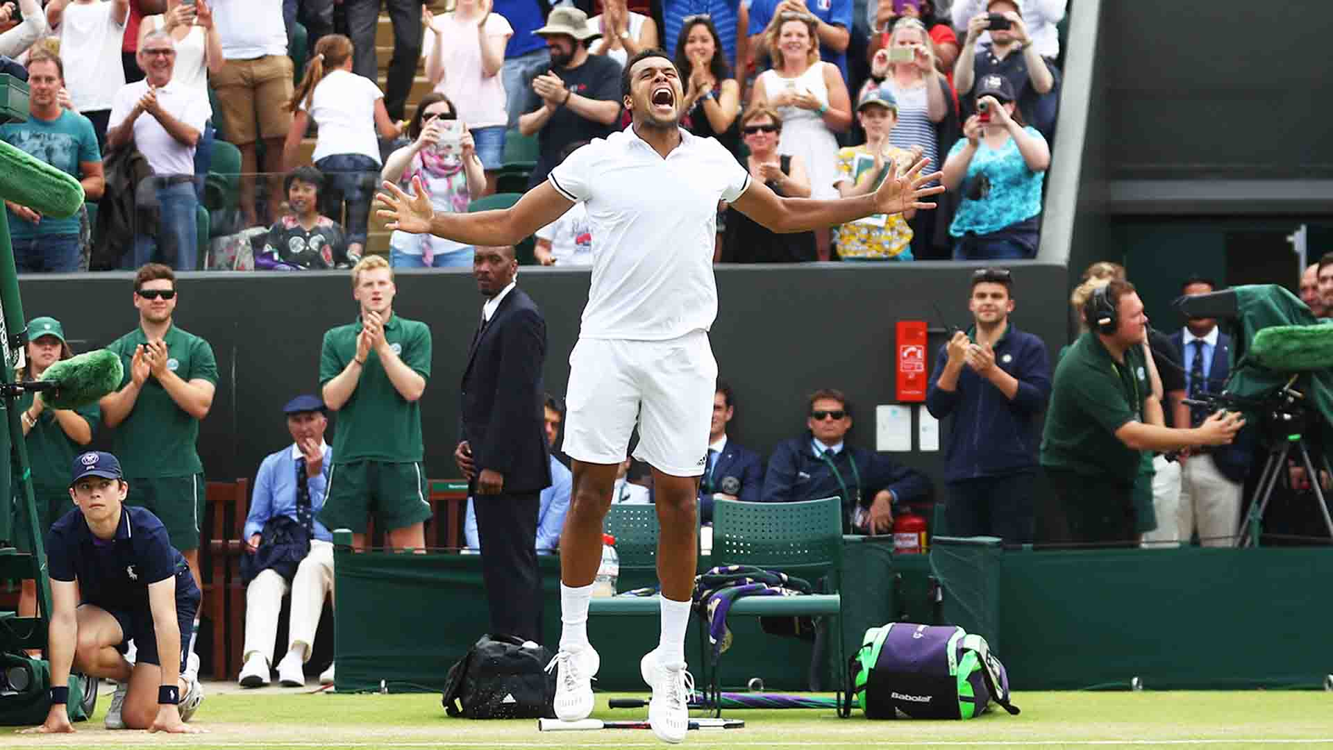Jo-Wilfried Tsonga owns a 3-2 ATP Head2Head record against John Isner.