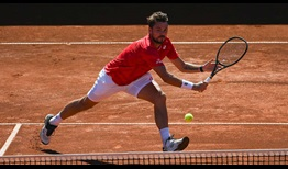 Stan Wawrinka sprints to the title at the Prague Open.