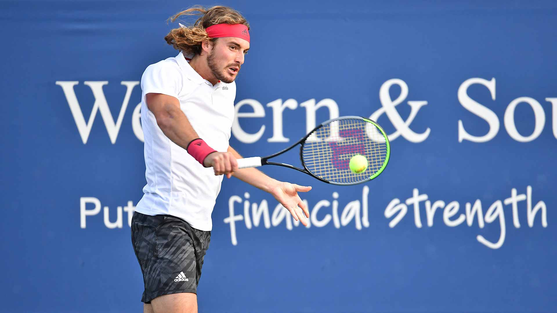 Stefanos Tsitsipas Looks Up Up Up En Route To Western Southern Open Semi Finals Theunionjournal The Union Journal