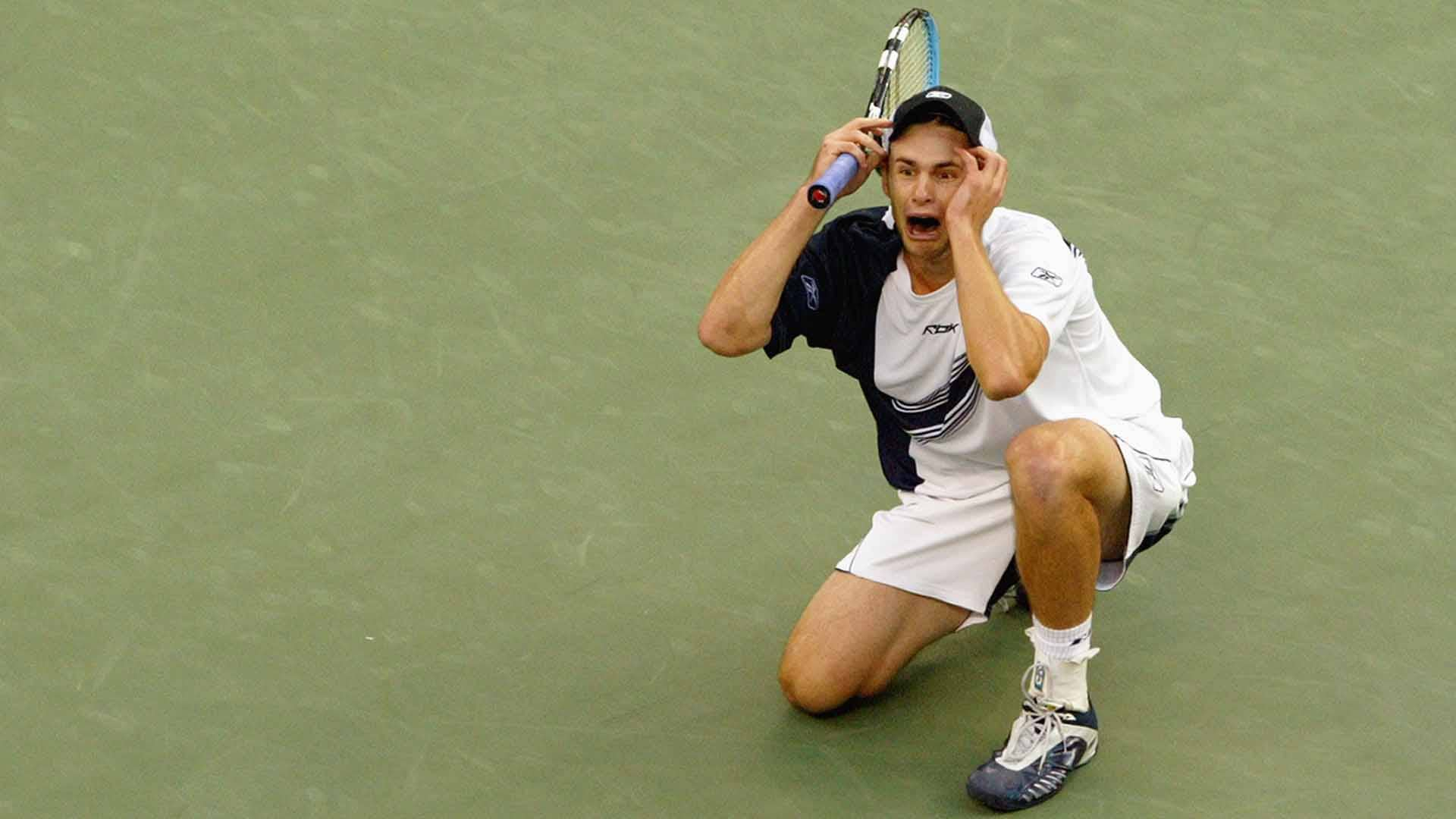 <a href='/en/players/andy-roddick/r485/overview'>Andy Roddick</a> beat <a href='/en/players/juan-carlos-ferrero/f316/overview'>Juan Carlos Ferrero</a> in straight sets to win the 2003 <a href='/en/tournaments/us-open/560/overview'>US Open</a>.
