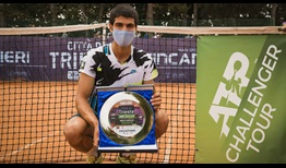 Carlos Alcaraz lifts his first ATP Challenger Tour trophy, prevailing in Trieste.