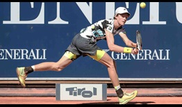 Jannik Sinner improves to 2-0 in his ATP Head2Head series against Philipp Kohlschreiber.