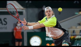 Shapovalov-Roland-Garros-2020-Tuesday-Volley