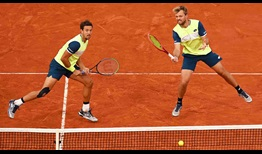 Kevin Krawietz (right) and Andreas Mies (left) are the fourth team in the Open Era to win back-to-back Roland Garros men's doubles titles.