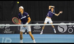 Jurgen Melzer and Edouard Roger-Vasselin reach the Sofia semi-finals without losing a set.