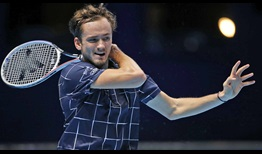 Medvedev-Nitto-ATP-Finals-2020-Day-2-Forehand