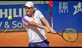Miomir Kecmanovic beats Thiago Monteiro in three sets in Buenos Aires on Wednesday to earn his first clay-court win of the season.
