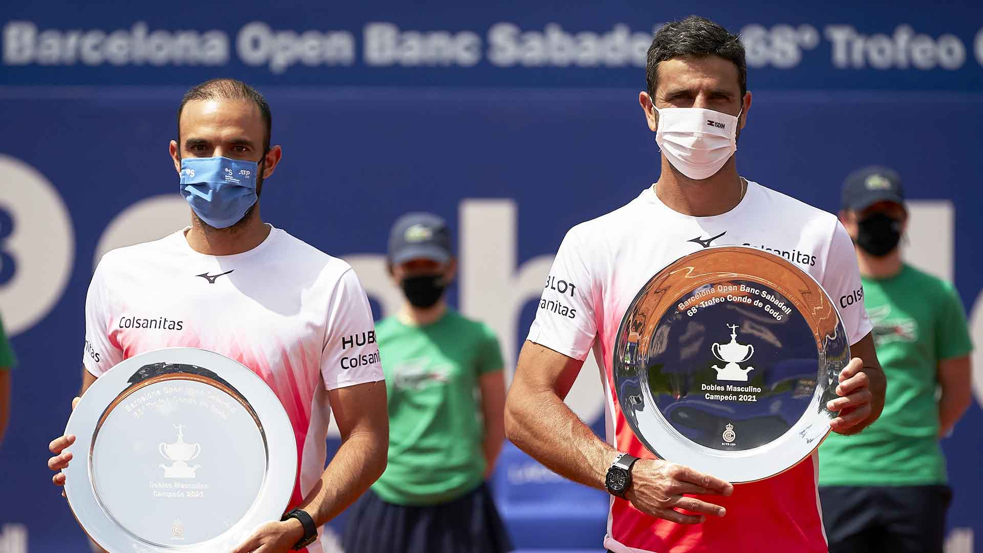 <a href='https://www.atptour.com/en/players/juan-sebastian-cabal/c834/overview'>Juan Sebastian Cabal</a> and <a href='https://www.atptour.com/en/players/robert-farah/f525/overview'>Robert Farah</a> capture their second title of the year at the <a href='https://www.atptour.com/en/tournaments/barcelona/425/overview'>Barcelona Open Banc Sabadell</a>.
