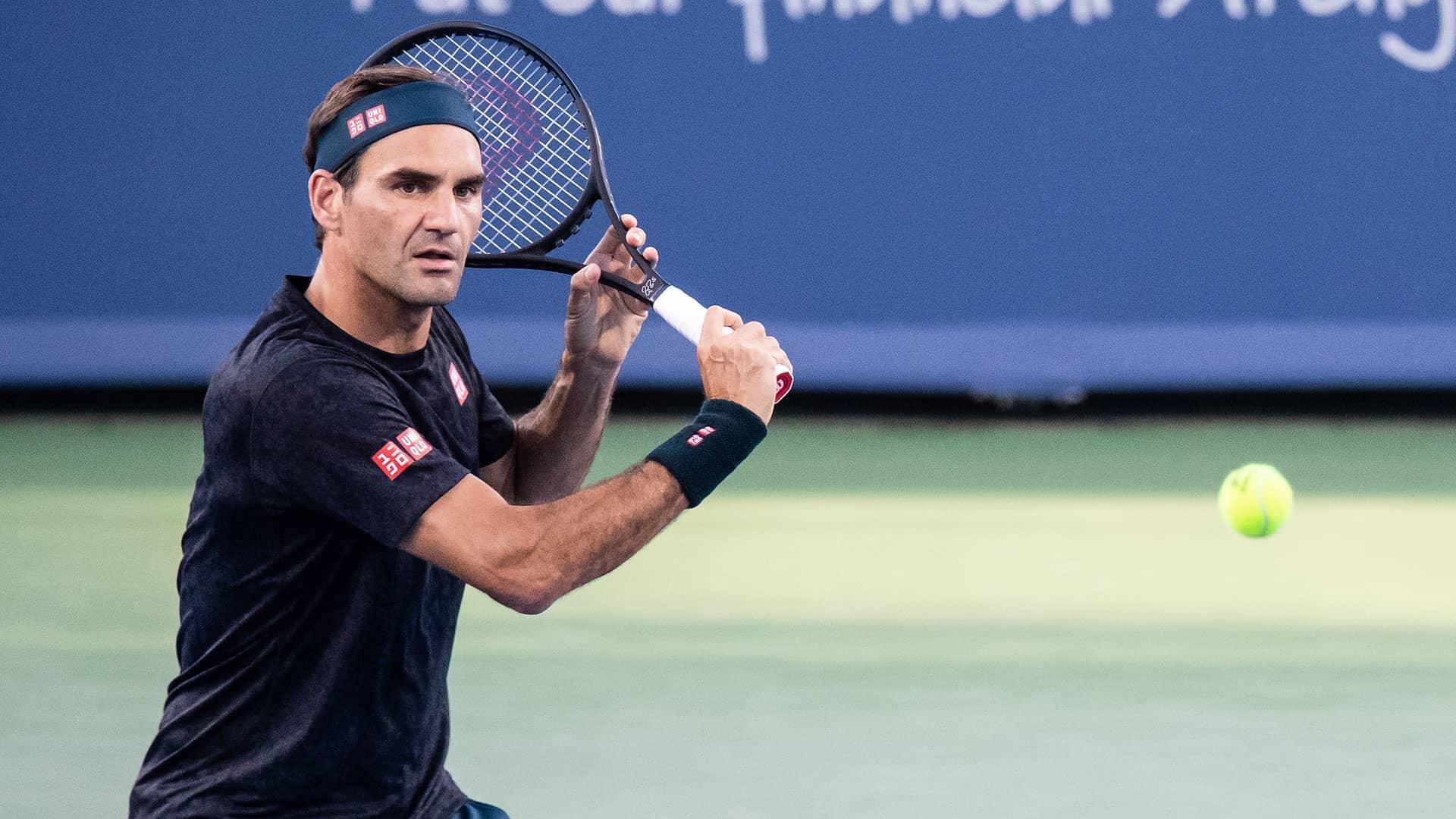 Federer, Djokovic Lead Cincinnati Play Tuesday